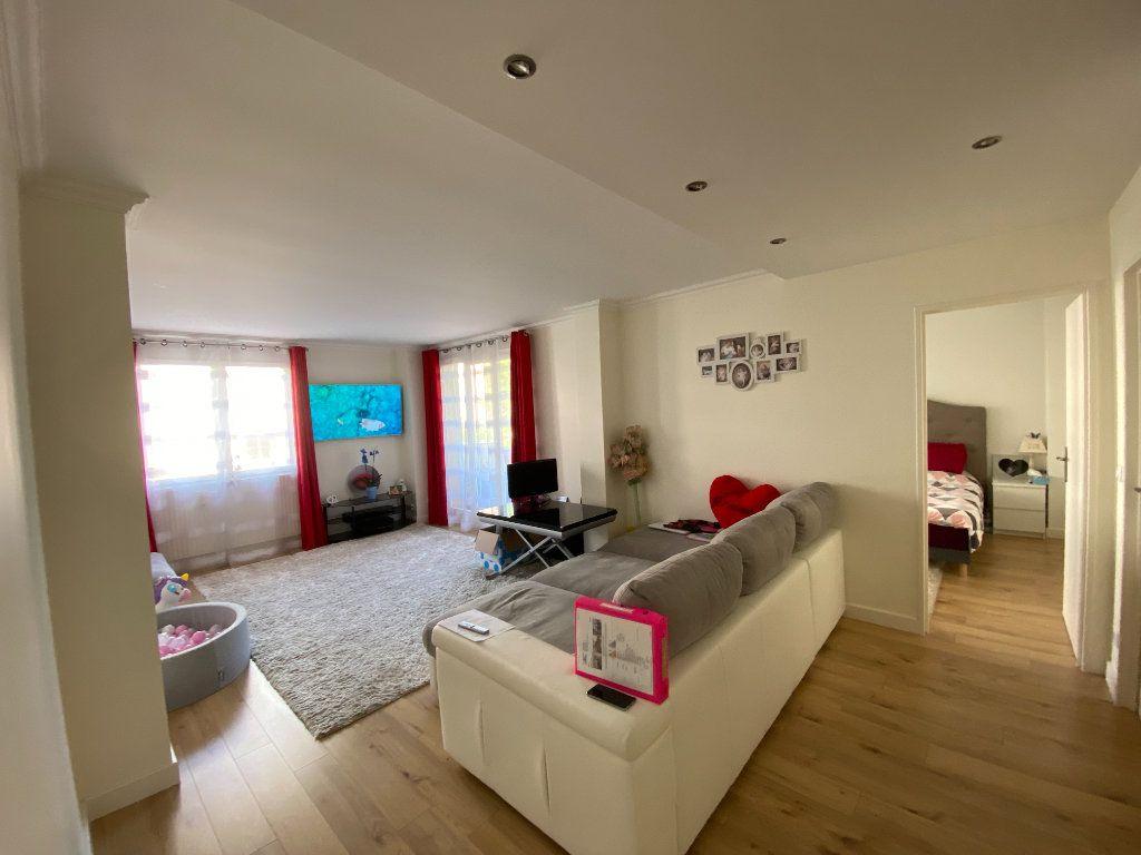 Appartement à vendre 3 71.59m2 à Fontenay-sous-Bois vignette-1