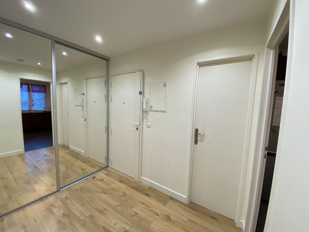 Appartement à vendre 3 71.59m2 à Fontenay-sous-Bois vignette-2