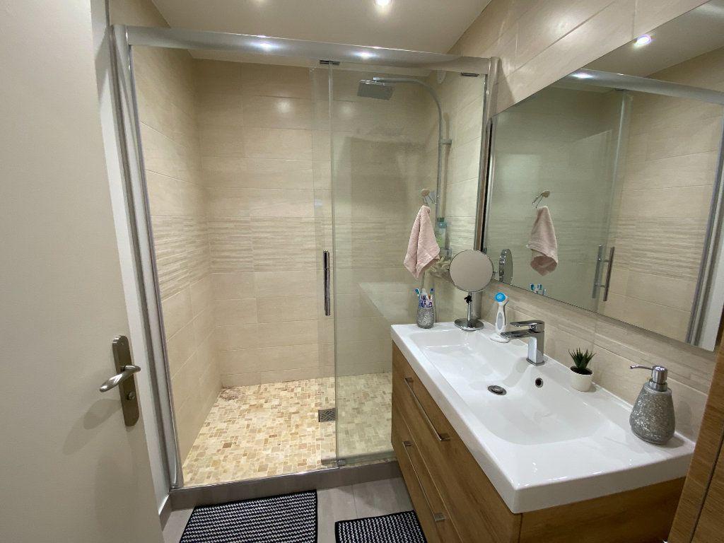 Appartement à vendre 3 71.59m2 à Fontenay-sous-Bois vignette-4
