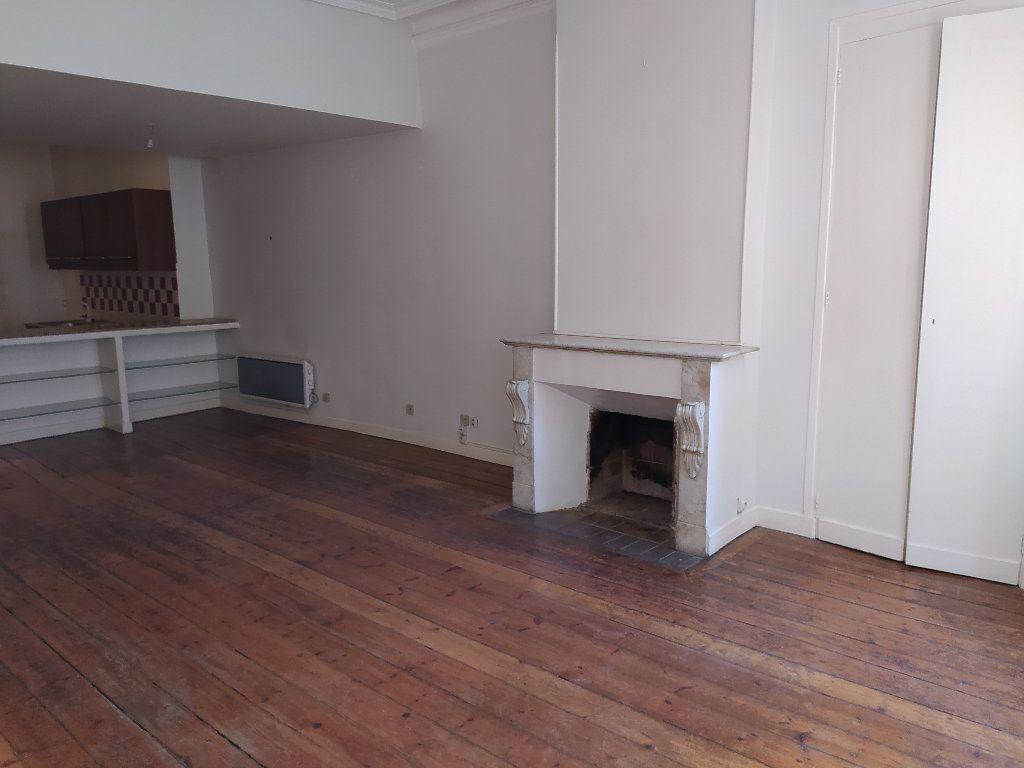 Appartement à vendre 3 103m2 à Toulouse vignette-2