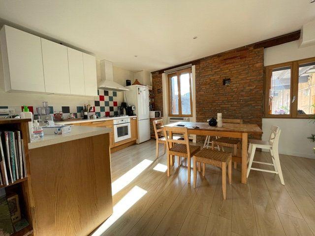 Appartement à vendre 5 126.51m2 à Toulouse vignette-1