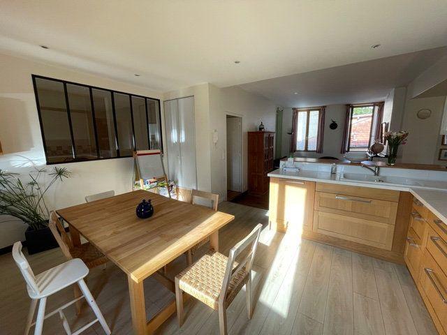 Appartement à vendre 5 126.51m2 à Toulouse vignette-3