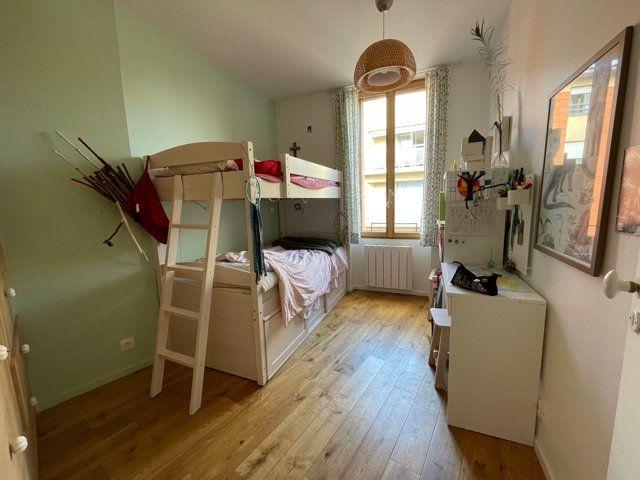 Appartement à vendre 5 126.51m2 à Toulouse vignette-6