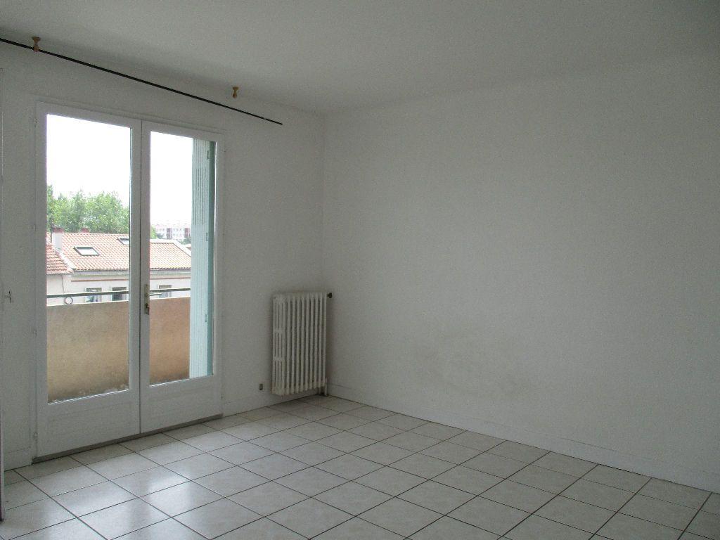 Appartement à louer 3 67m2 à Toulouse vignette-2