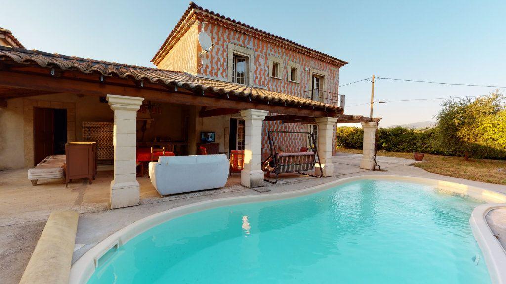 Maison à vendre 5 190m2 à Vallon-Pont-d'Arc vignette-1