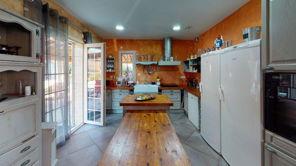 Maison à vendre 5 190m2 à Vallon-Pont-d'Arc vignette-3
