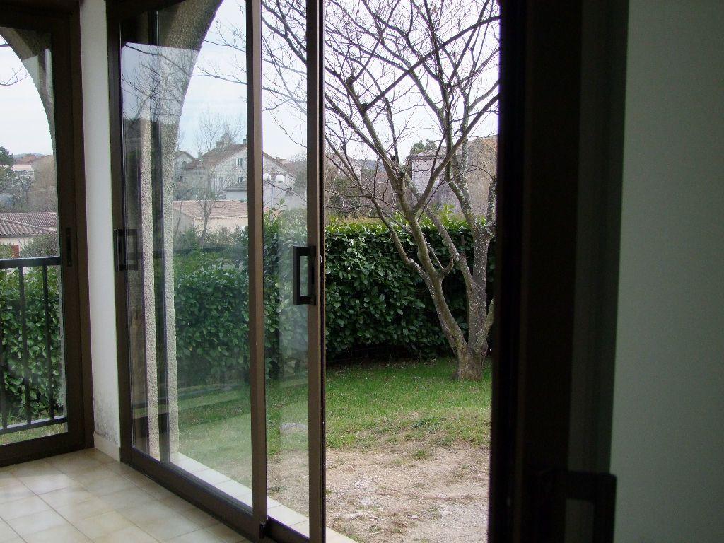 Appartement à louer 3 40m2 à Ruoms vignette-4