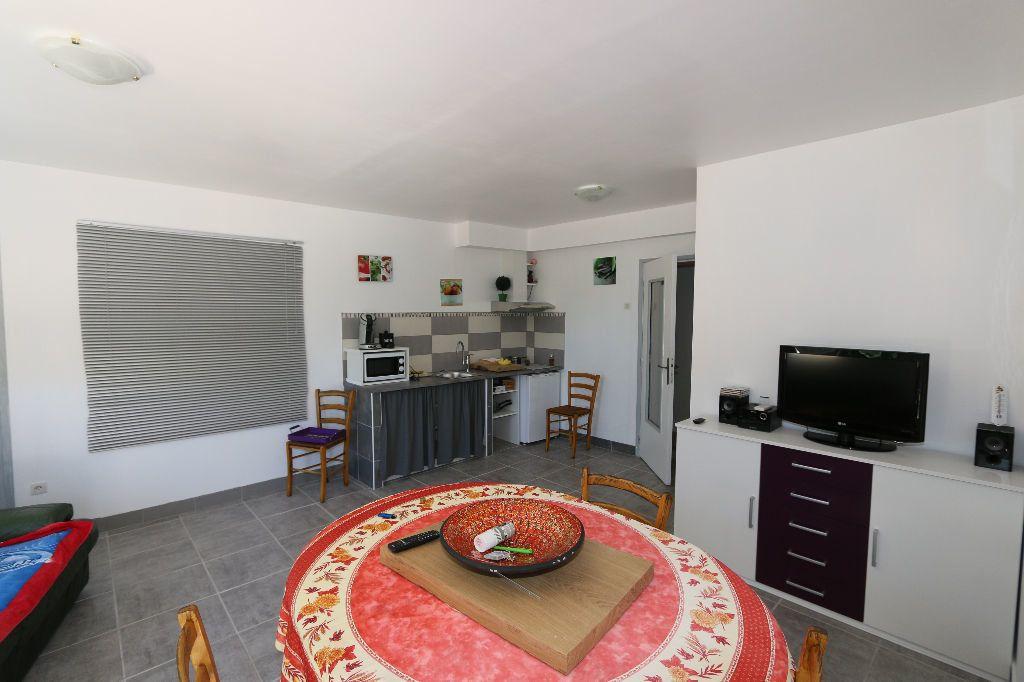 Maison à vendre 7 180m2 à Ruoms vignette-6