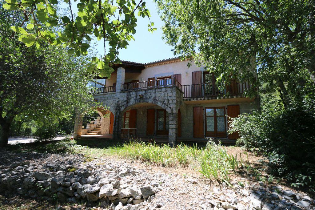 Maison à vendre 6 190m2 à Ruoms vignette-1
