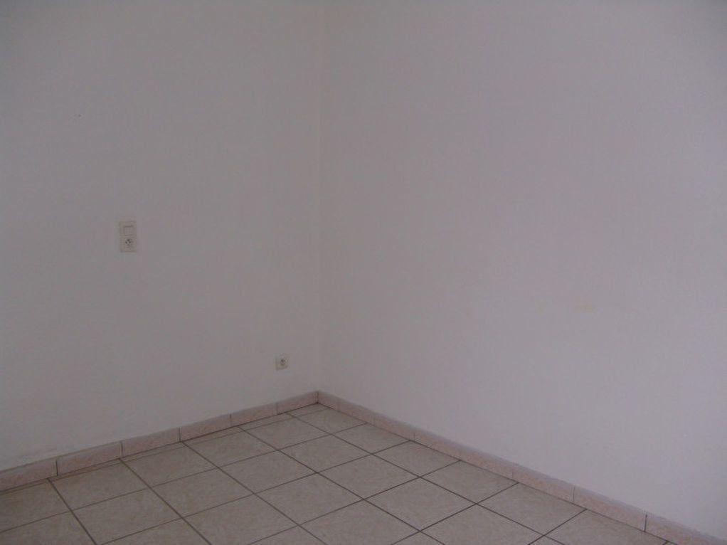 Maison à louer 3 51.61m2 à Saint-Alban-Auriolles vignette-6