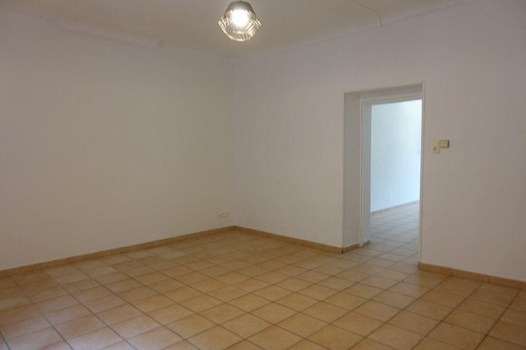 Maison à louer 5 101m2 à Saint-Alban-Auriolles vignette-2