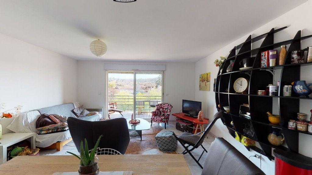 Appartement à vendre 3 67m2 à Ruoms vignette-1