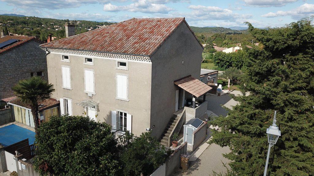 Maison à vendre 9 270m2 à Ruoms vignette-1