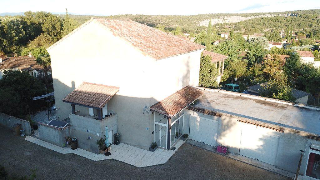 Maison à vendre 9 270m2 à Ruoms vignette-4