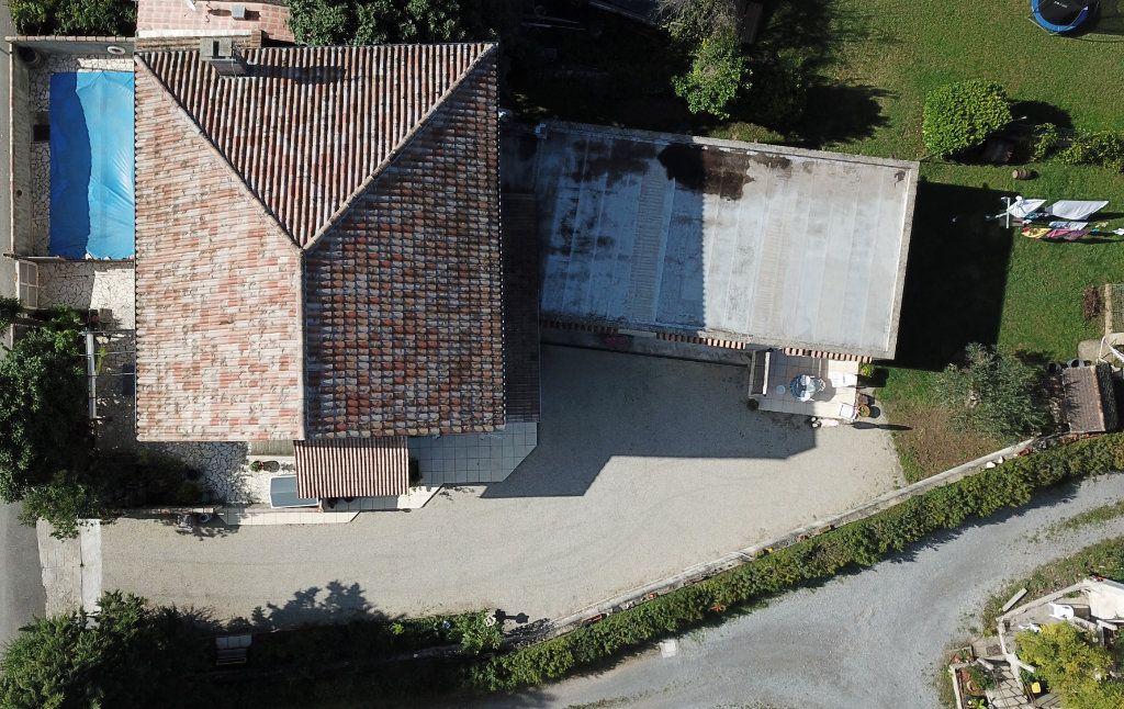 Maison à vendre 9 270m2 à Ruoms vignette-5