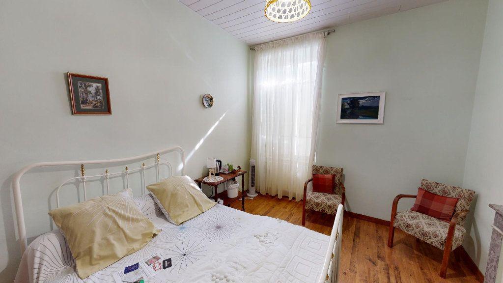 Maison à vendre 9 270m2 à Ruoms vignette-9