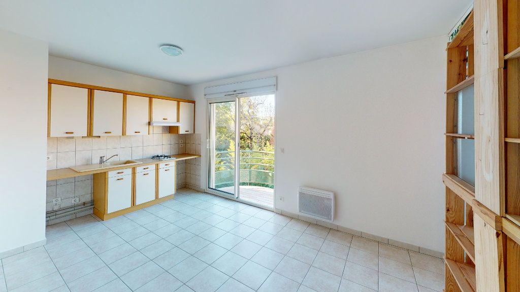 Appartement à louer 2 29.8m2 à Ruoms vignette-1