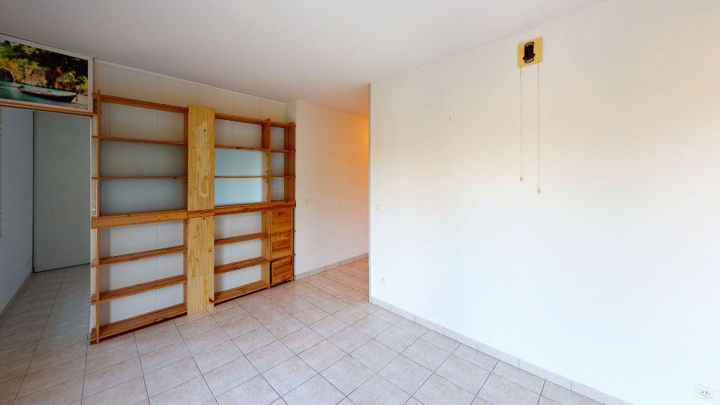 Appartement à louer 2 29.8m2 à Ruoms vignette-2