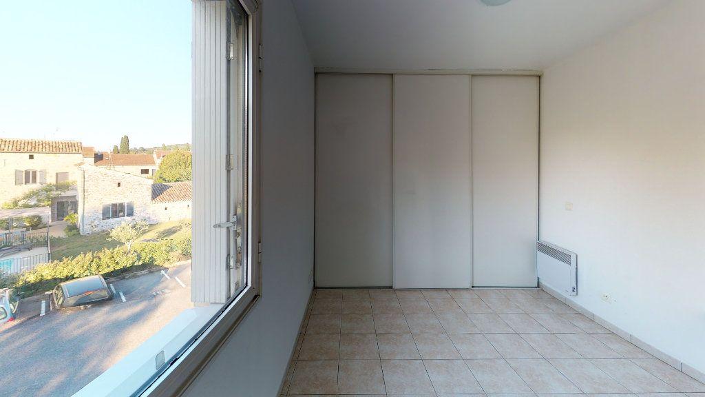 Appartement à louer 2 29.8m2 à Ruoms vignette-4