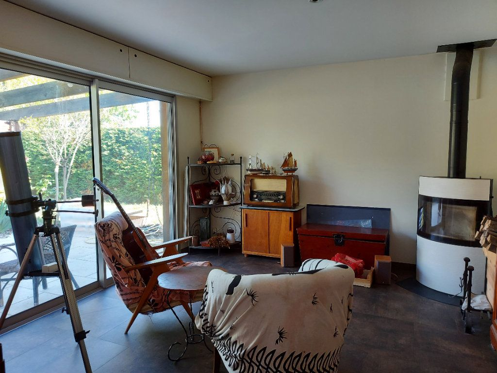 Maison à vendre 6 120m2 à Castres-Gironde vignette-4