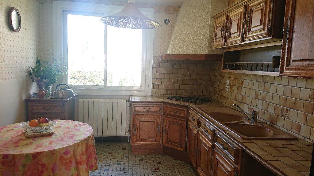 Maison à vendre 5 157m2 à Landiras vignette-4