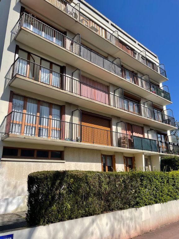 Appartement à vendre 3 56.59m2 à Saint-Maur-des-Fossés vignette-1