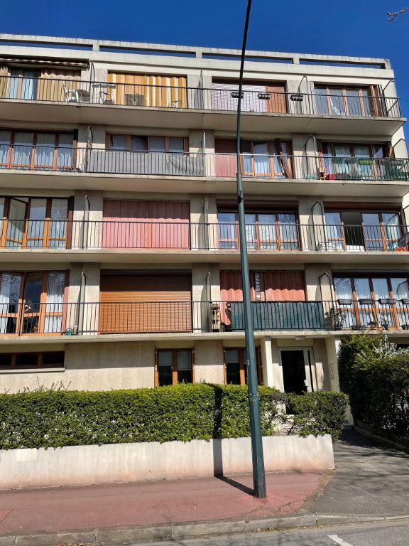 Appartement à vendre 3 56.59m2 à Saint-Maur-des-Fossés vignette-2