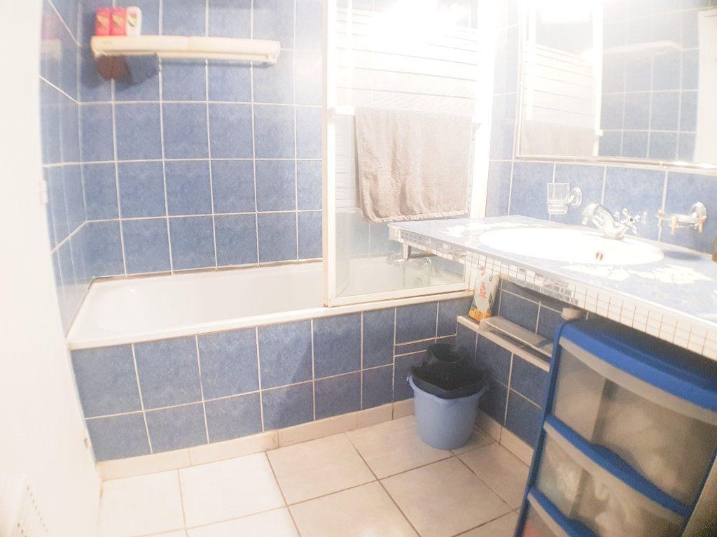 Appartement à vendre 2 26.79m2 à Le Bourget vignette-4