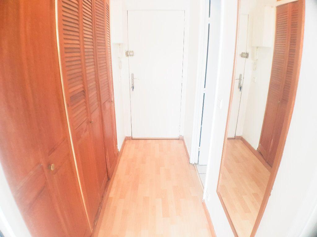 Appartement à vendre 2 26.79m2 à Le Bourget vignette-5