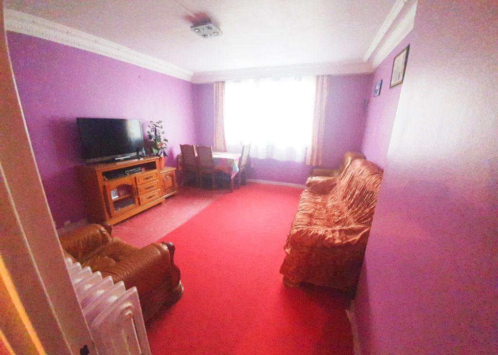 Appartement à vendre 3 55.92m2 à La Courneuve vignette-2