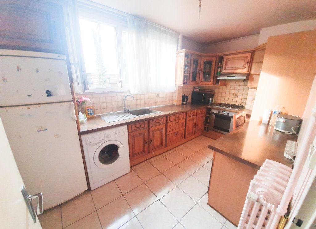 Appartement à vendre 3 55.92m2 à La Courneuve vignette-3