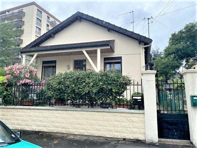 Maison à vendre 5 70m2 à Le Blanc-Mesnil vignette-1