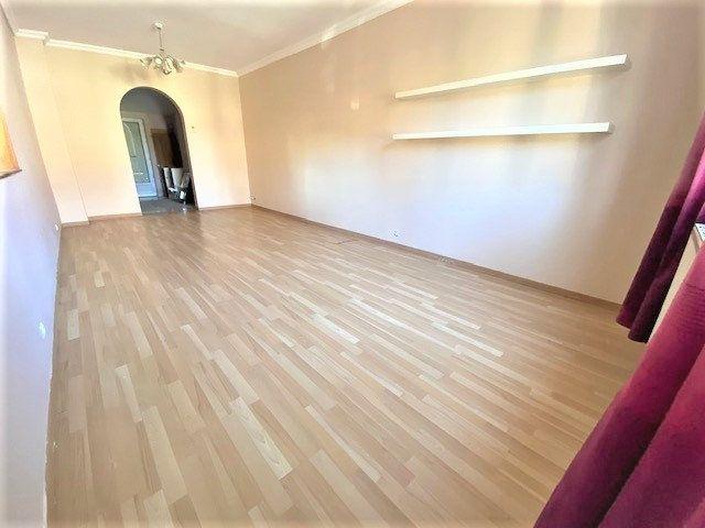 Maison à vendre 6 124.85m2 à Garges-lès-Gonesse vignette-2