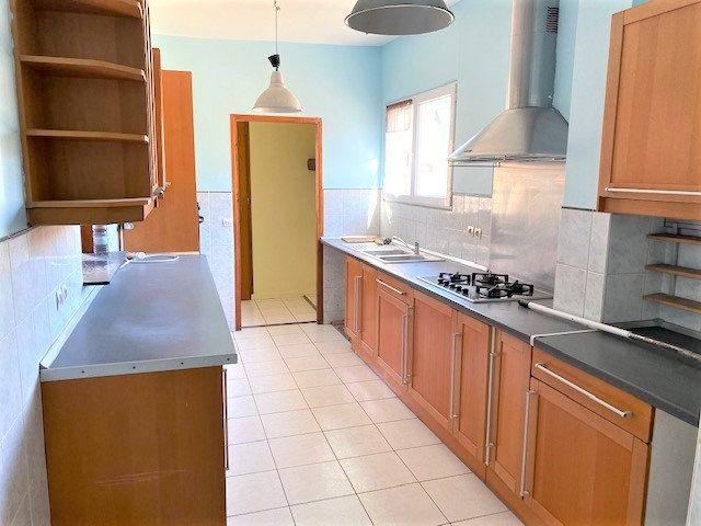 Maison à vendre 6 124.85m2 à Garges-lès-Gonesse vignette-3