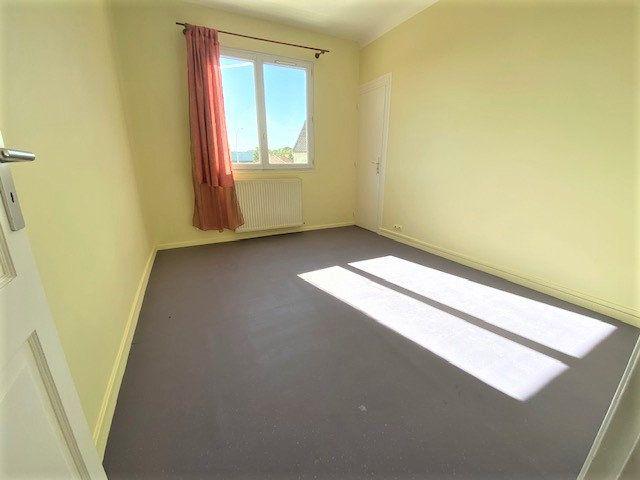 Maison à vendre 6 124.85m2 à Garges-lès-Gonesse vignette-4