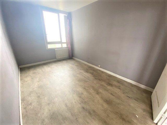 Appartement à vendre 5 86.02m2 à Aubervilliers vignette-2