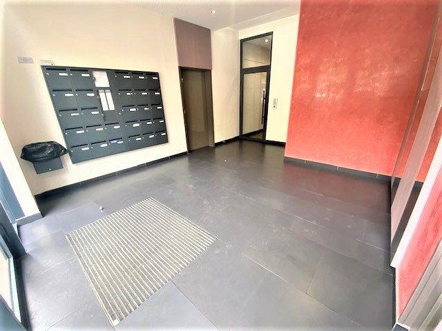Appartement à vendre 3 68.85m2 à Le Bourget vignette-4