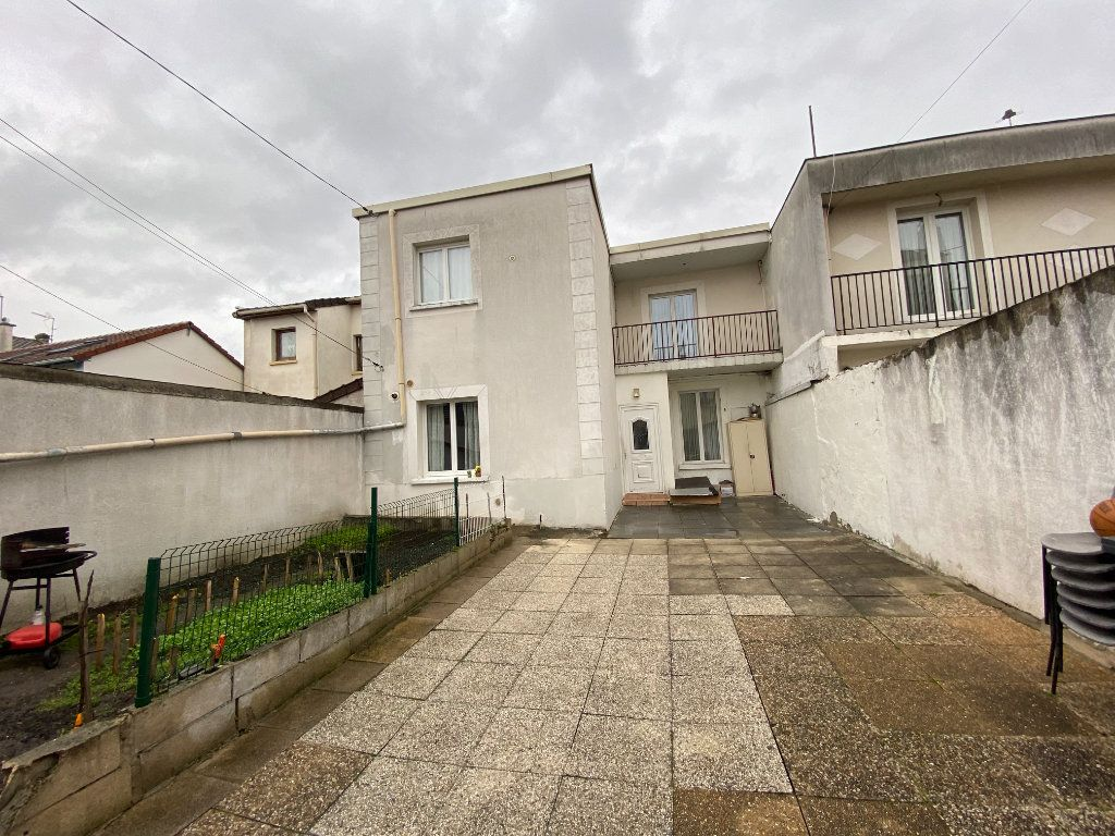 Maison à vendre 5 105m2 à Pierrefitte-sur-Seine vignette-2