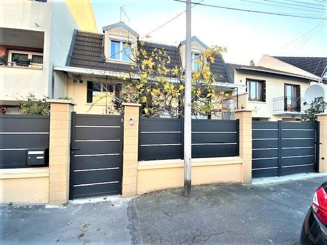 Maison à vendre 7 131m2 à Le Blanc-Mesnil vignette-1
