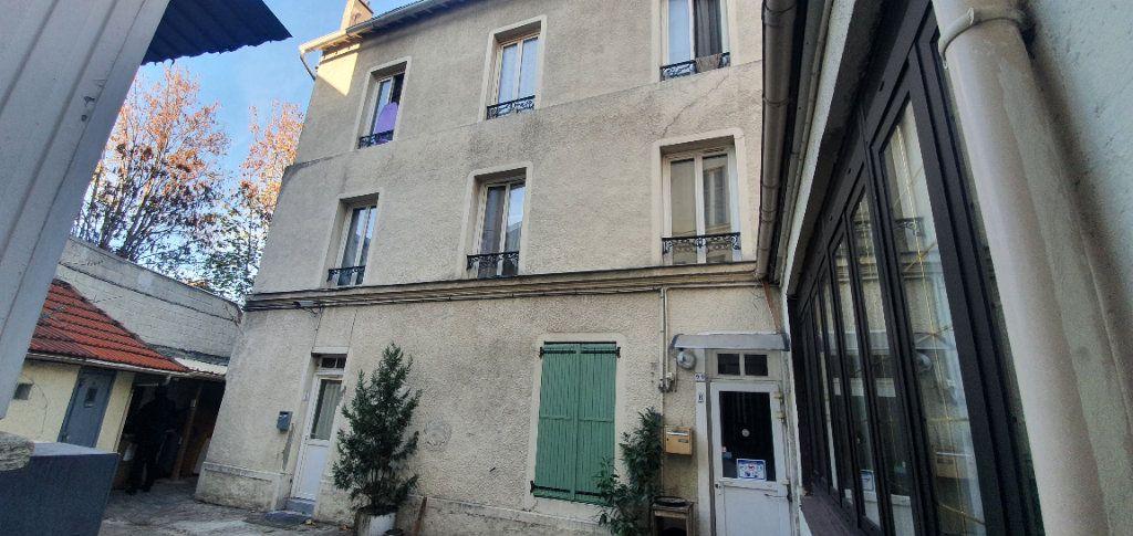 Immeuble à vendre 0 170m2 à Le Bourget vignette-1
