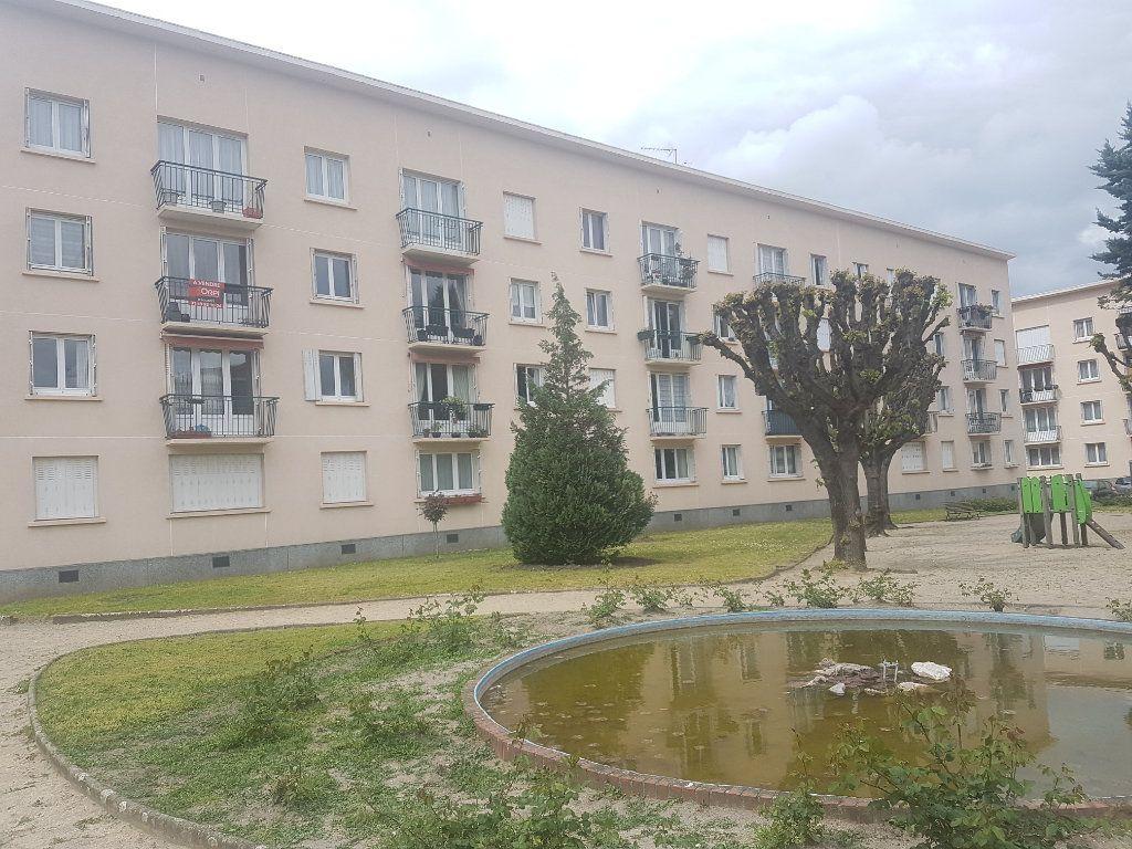 Appartement à vendre 4 62.65m2 à Le Bourget vignette-1