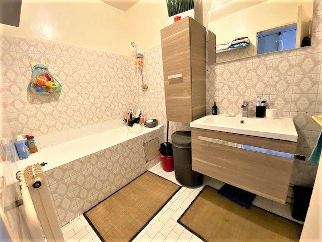 Appartement à vendre 3 61.95m2 à Le Bourget vignette-8