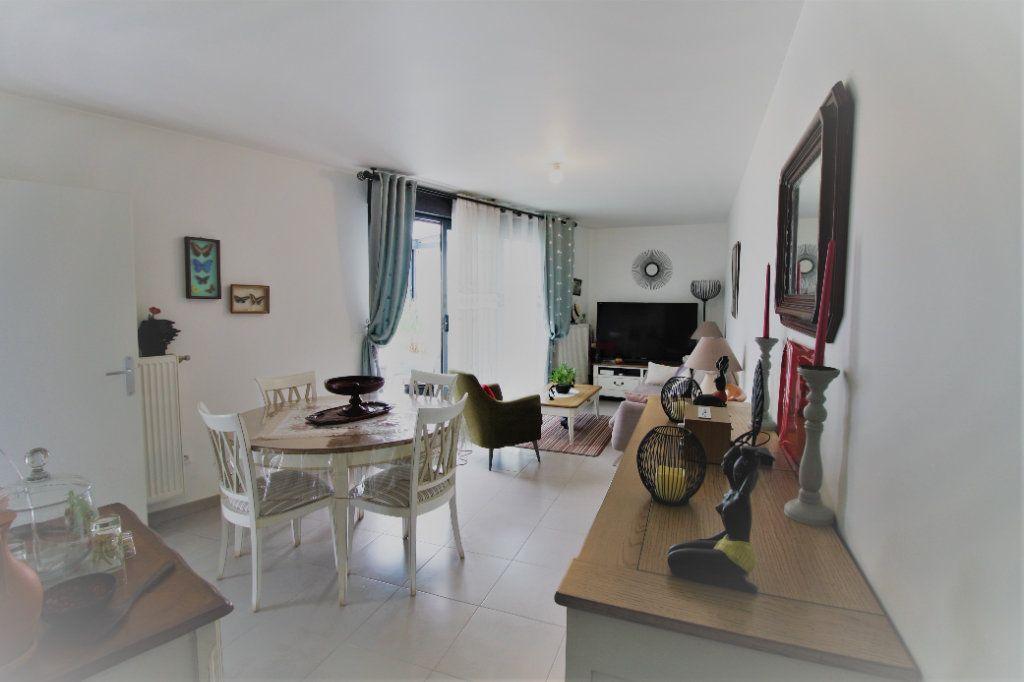 Appartement à vendre 4 78.49m2 à Stains vignette-4