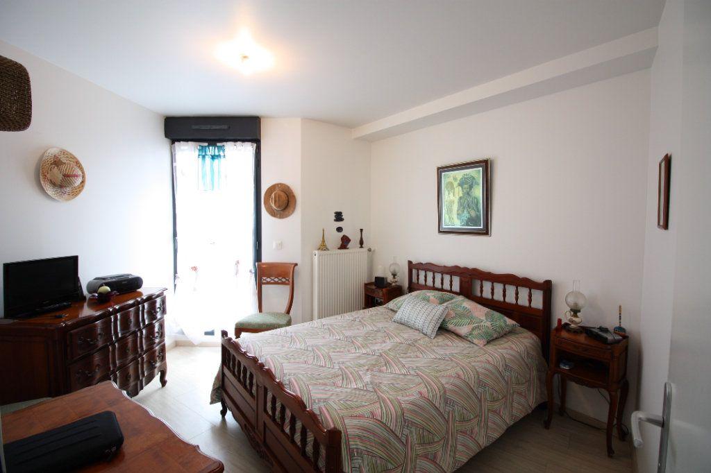 Appartement à vendre 4 78.49m2 à Stains vignette-7