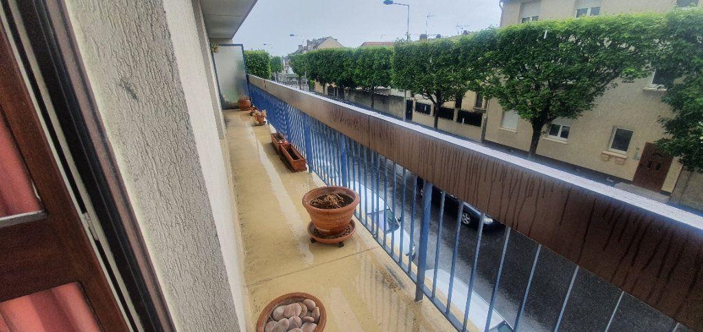 Appartement à vendre 4 86.4m2 à Le Blanc-Mesnil vignette-5