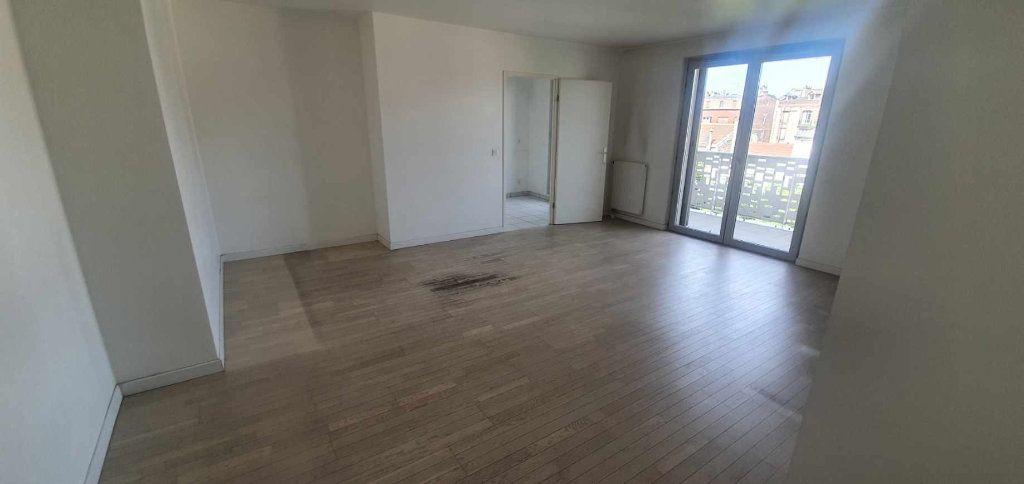 Appartement à vendre 3 68.5m2 à Le Bourget vignette-3