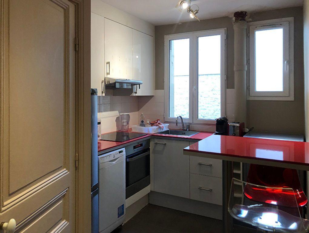 Appartement à louer 3 56.8m2 à Paris 7 vignette-4