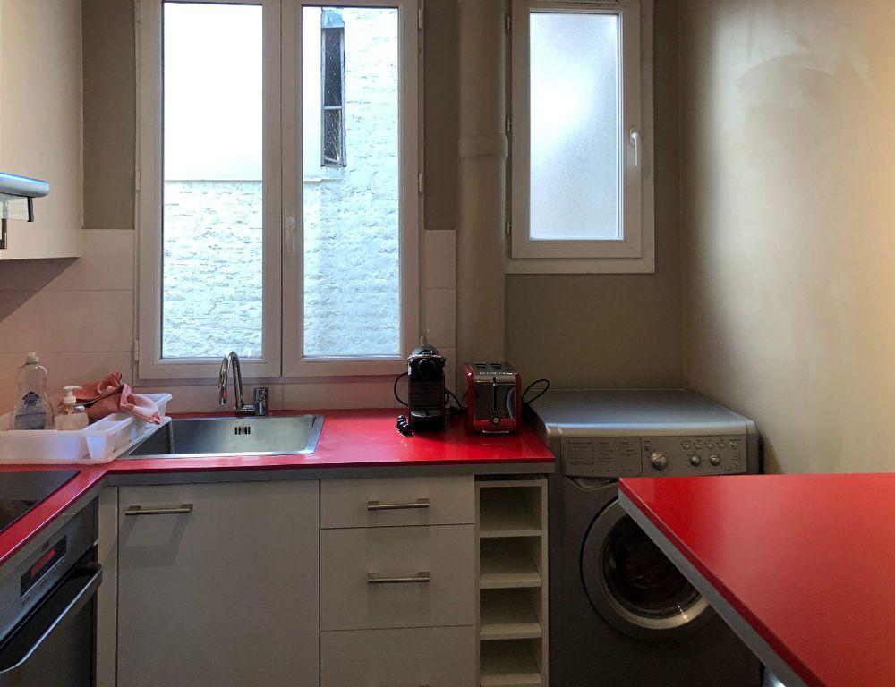 Appartement à louer 3 56.8m2 à Paris 7 vignette-7