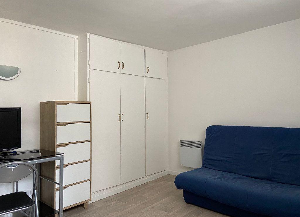 Appartement à louer 1 16m2 à Paris 7 vignette-2