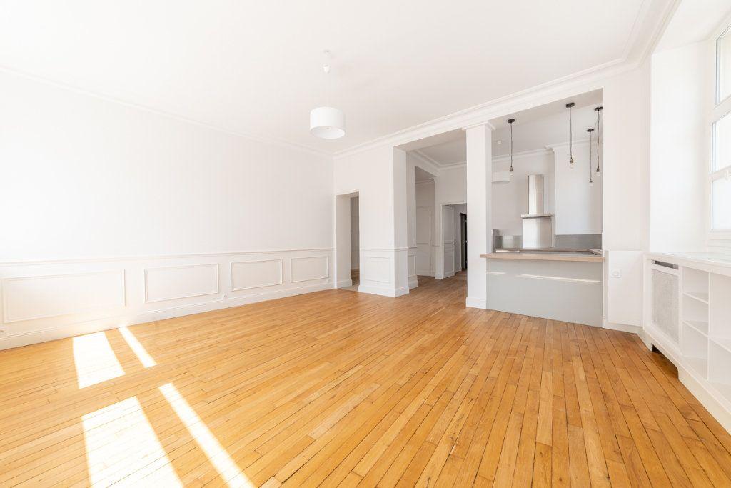 Appartement à vendre 2 65.05m2 à Paris 7 vignette-4